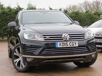 USED 2015 15 VOLKSWAGEN TOUAREG 3.0 V6 R-LINE TDI BLUEMOTION TECHNOLOGY 5d AUTO 259 BHP SATELLITE NAVIGATION, PANORAMIC ROOF, FULL BLACK LEATHER