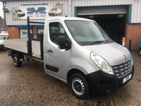 USED 2011 61 RENAULT MASTER 2.3 LL35 6 SPEED 125 BHP DROPSIDE TIPPER WITH TOOLBOX 1 OWNER, LOCKABLE TOOL BOX,  ELEC PACK, SAT NAV