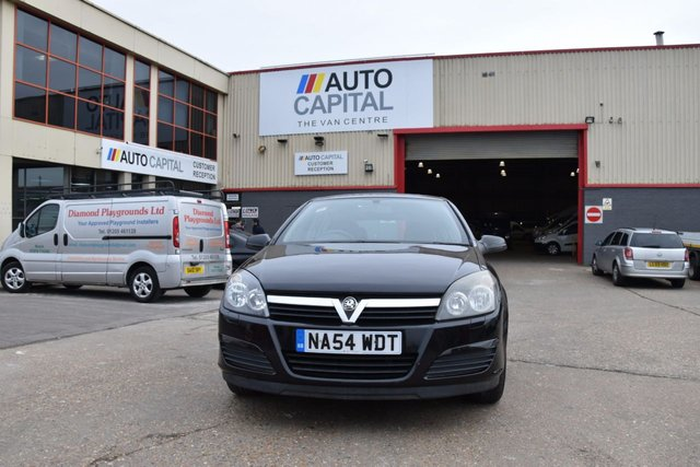 2004 54 VAUXHALL ASTRA ASTRA CLUB TWIN PORT 16V 5DOOR HATCHBACK 100 BHP 5 SPEED MANUAL PETROL  ONLY 103 517 MILES