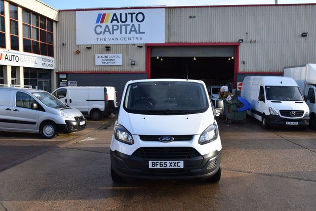 2015 65 FORD TRANSIT CUSTOM 2.2 290 LR P/V 5d 100 BHP SWB ECO-TECH FWD L1 DIESEL MANUAL PANEL VAN ONE OWNER LOW MILEAGE SPARE KEY