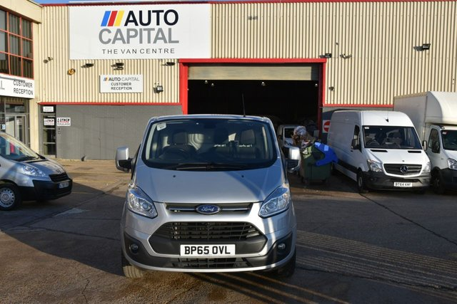 2015 65 FORD TRANSIT CUSTOM 2.2 270 LIMITED LR P/V 5d 125 BHP FWD SWB AIR CON DIESEL PANEL MANUAL VAN ONE OWNER S/H LIMITED EDITION