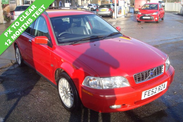 2002 52 VOLVO V40 1.8 SE 5d 121 BHP PX TO CLEAR 12 MONTHS TEST