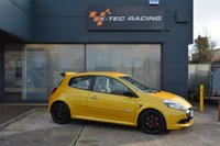 USED 2010 60 RENAULT CLIO 2.0 RENAULTSPORT 3d 197 BHP LIQUID YELLOW, RECARO SEATS, CUP CHASSIS, MILLTEK EXHAUST, CUP SPOILER, FULL SERVICE HISTORY INC CAMBELT CHANGE