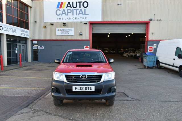 2012 12 TOYOTA HI-LUX 2.5 HL2 4X4 D-4D DCB 4d 142 BHP AIR CON DIESEL MANUAL LIGHT UTILITY PICK UP ONE OWNER FULL S/H SPARE KEY