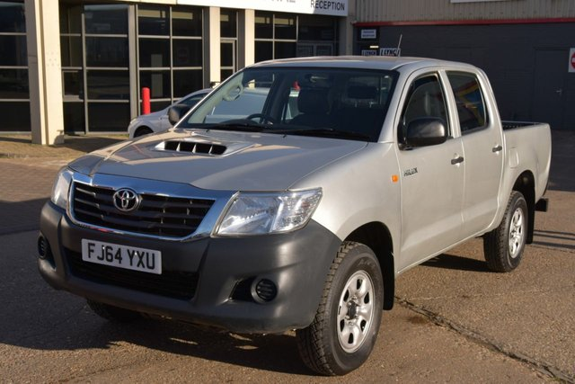 2014 64 TOYOTA HI-LUX 2.5 ACTIVE 4X4 D-4D DCB 5d 142 BHP MWB A/C  ONE OWNER FROM NEW, FULL SERVICE HISTORY