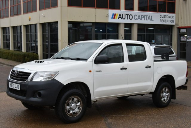 2013 13 TOYOTA HI-LUX 2.5 HL2 4X4 D-4D DCB 5d 142 BHP MWB A/C ONE OWNER FROM NEW