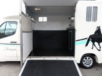 USED 2015 15 RENAULT MASTER HORSEBOX 2.3 LL35 BUSINESS DCI L/R P/C QUICKSHIFT AUTO 125 BHP **1 OWNER** ** 1 OWNER * 2 HORSE CAPACITY **