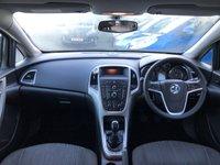 USED 2010 10 VAUXHALL ASTRA 1.6 EXCLUSIV 5d 113 BHP