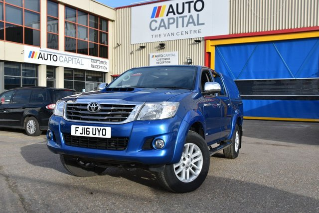 2016 16 TOYOTA HI-LUX 3.0 INVINCIBLE 4X4 D-4D DCB 5d AUTO 169 BHP A/C NAVI R. CAM ONE OWNER FROM NEW