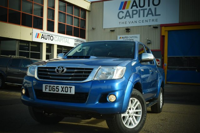 2016 65 TOYOTA HI-LUX 3.0 INVINCIBLE 4X4 D-4D DCB 5d AUTO 169 BHP A/C NAVI R.CAM LEATHER SEAT ONE OWNER FROM NEW