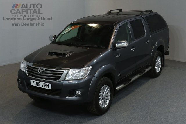 2015 15 TOYOTA HI-LUX 3.0 INVINCIBLE 4X4 D-4D DCB 5d AUTO 169 BHP A/C NAVI R.CAM LEATHER SEAT ONE OWNER FROM NEW
