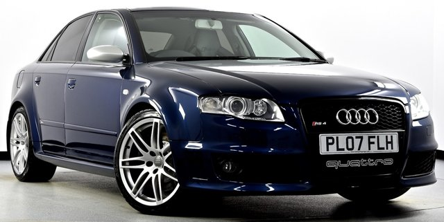 View our AUDI RS4 SALOON