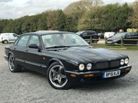 USED 2002 51 JAGUAR XJ 4.0 R V8 SUPERCHARGED 4d AUTO 370 BHP FULL CREAM LEATHER TRIM, CRUISE CONTROL, CLIMATE CONTROL, TRACTION CONTROL, ELECTRIC SEATS, CD MULTI- CHANGER, ALLOYS, REMOTE LOCKING,