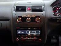 USED 2011 11 VOLKSWAGEN TOURAN 1.6 SE TDI DSG 5d AUTO 106 BHP