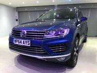 USED 2014 64 VOLKSWAGEN TOUAREG 3.0 V6 R-LINE TDI BLUEMOTION TECHNOLOGY 5d AUTO 259 BHP PANORAMIC GLASS ROOF + SAT NAV + 1 OWNER