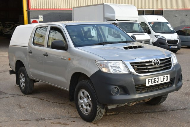 2012 62 TOYOTA HI-LUX 2.5 HL2 4X4 D-4D DCB 5d 142 BHP MWB A/C ONE OWNER FROM NEW