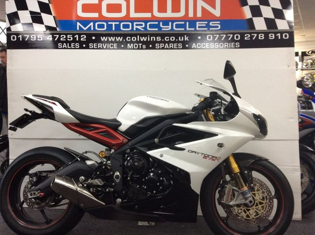 View our TRIUMPH DAYTONA 675 R ABS