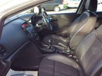 USED 2012 12 VAUXHALL ASTRA 1.7 ACTIVE LIMITED EDITION CDTI 5d 108 BHP