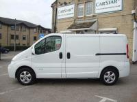 USED 2014 14 RENAULT TRAFIC 2.7T 2.0 SL27DCI 115 SPORT EURO 5 ( SAT NAV & AIR CON ) TOP SPEC SPORT WITH SAT NAV & BLUE / GREY SPORT INTERIOR