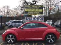 USED 2015 15 VOLKSWAGEN BEETLE 1.4 DESIGN TSI 3d 158 BHP TORNADO RED, BLACK ROOF, STUNNING, LOVELY BLACK TITAN TIXO BLACK CLOTH, 18 INCH TWISTER POLISHED ALLOY WHEELS UPGRADE, CRUISE CONTROL, DAB RADIO, BLUETOOTH, 2 OWNERS, FULL VW SERVICE HISTORY