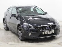 USED 2015 64 VOLVO V40 1.6 D2 CROSS COUNTRY LUX 5d AUTO 113 BHP ***Full Leather, AUTO, Full Service History, Full Leather, £20 Road Fund Licence. Climate Control, Cruise Control, Auto Headlights***