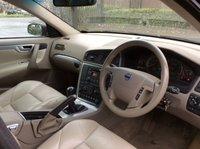 USED 2005 55 VOLVO V70 2.4 D SE 5d 163 BHP