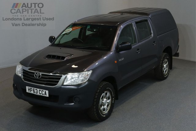 2013 63 TOYOTA HI-LUX 2.5 HL2 4X4 D-4D DCB 5d 142 BHP MWB A/C POWER WINDOWS AND MIRRORS ONE OWNER FROM NEW