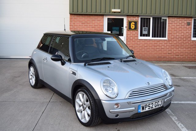 2003 52 MINI HATCH COOPER 1.6 COOPER 3d AUTO 114 BHP