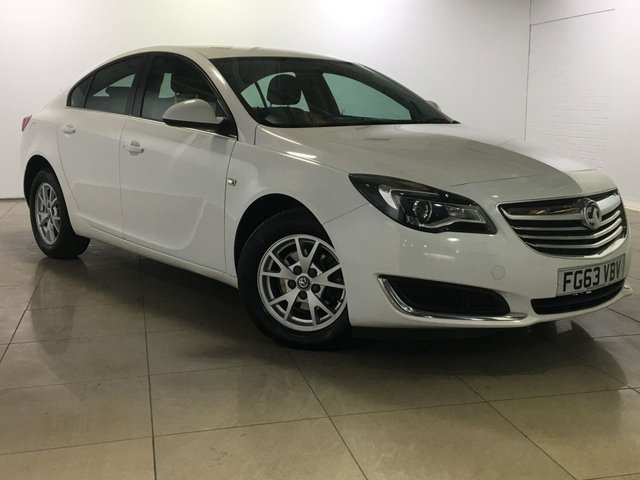 View our 2013 63 VAUXHALL INSIGNIA 2.0 DESIGN CDTI 5d AUTO 128 BHP
