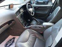 USED 2005 54 VOLVO XC70 2.4 D5 SE LUX AWD 5d 163 BHP