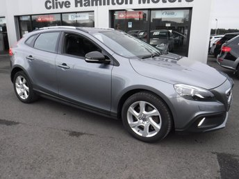 2016 VOLVO V40 2.0 D2 CROSS COUNTRY LUX NAV 5d 118 BHP £13750.00