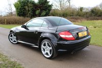 USED 2005 05 MERCEDES-BENZ SLK 3.5 SLK350 2d 269 BHP