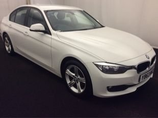 2013 BMW 3 SERIES 2.0 318D SE 4d AUTO 141 BHP £11299.00