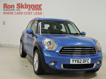2012 MINI COUNTRYMAN}