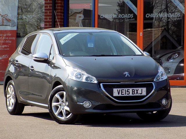 USED 2015 15 PEUGEOT 208 1.2 STYLE SPECIAL EDITION 5dr * Pan Roof & Nav * ** ONLY 29000 miles **