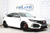 USED 2017 N HONDA CIVIC 2.0 VTEC TYPE R GT 5d 316 BHP CARBON EXTERIOR AND INTERIOR PACK/ 5 YEAR SERVICE PLAN / 320 PS 400NM TORQUE/ ONLY 750 MILES ON THE CLOCK/ SUPER HATCH!!!