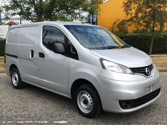 2012 NISSAN NV200 1.5 DCI SE 110 BHP [ 4x DOG-PET CAGES ] T/SLD A/C Low mileage   £6950.00