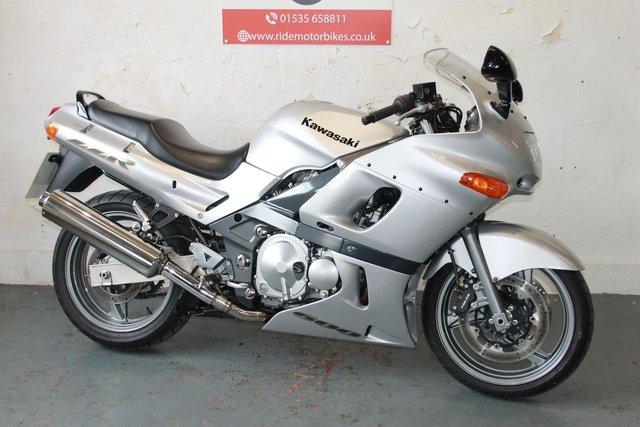 2005 55 KAWASAKI ZZR 600 599cc