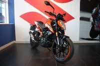 USED 2017 67 KTM 125 DUKE 17  15 BHP***ORANGE***