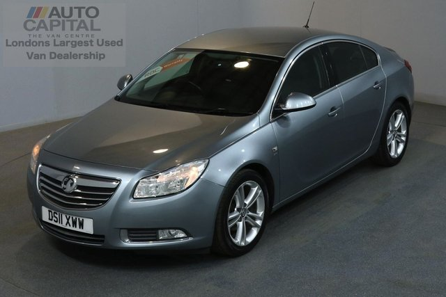 2011 11 VAUXHALL INSIGNIA 1.8 SRI 138 BHP A/C 3 OWNER FROM NEW