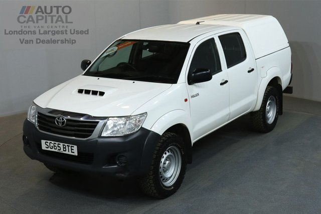 2015 65 TOYOTA HI-LUX 2.5 ACTIVE 4X4 D-4D 142 BHP MWB A/C ONE OWNER FROM NEW, SERVICE HISTORY