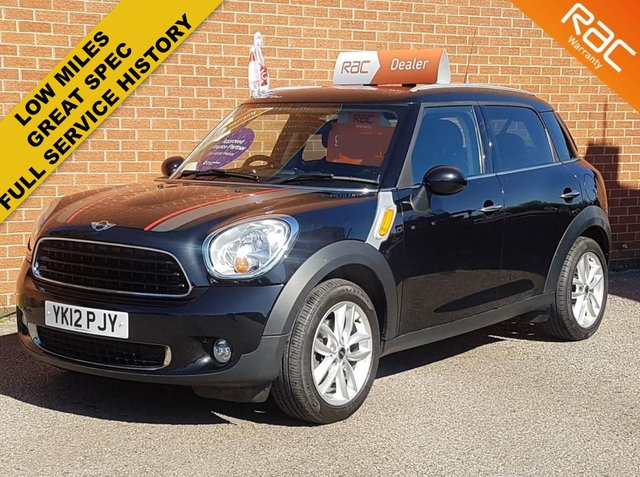2012 12 MINI COUNTRYMAN 1.6 COOPER D 5d CHILLI PACK -- RED / BLACK LEATHER