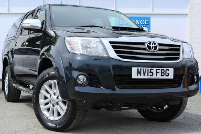 2015 15 TOYOTA HI-LUX 3.0 INVINCIBLE 4X4 D-4D Double Cab Pick with Canopy Towbar Sat Nav Leather