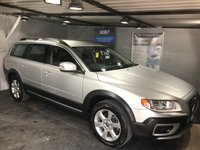 USED 2010 10 VOLVO XC70 2.4 D5 SE AWD 5d AUTO 202 BHP Bluetooth : Full leather upholstery      :      Heated front seats      :      Hydraulic retractable dog guard    : Remotely operated tailgate    :    Rear parking sensors