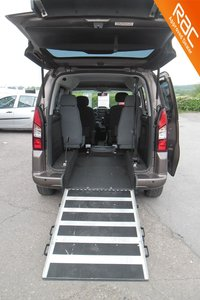 2013 PEUGEOT PARTNER TIPEE 1.6 HORIZON SE SPECIALLY ADAPTED WHEELCHAIR ACCESS  VEHICLE  £7600.00