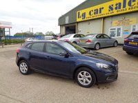 2014 VOLVO V40 1.6 D2 CROSS COUNTRY SE NAV 5d AUTO 113 BHP £11495.00