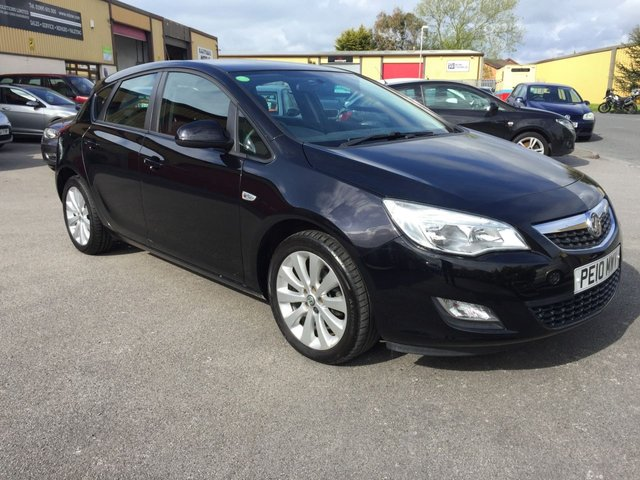 2010 10 VAUXHALL ASTRA 1.6 EXCLUSIV 5dr Hatch
