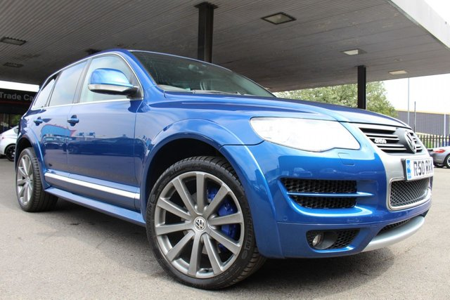 VOLKSWAGEN TOUAREG at Derby Trade Cars
