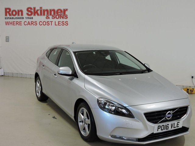 View our 2016 16 VOLVO V40 1.6 D2 SE 5d 113 BHP