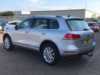 USED 2014 14 VOLKSWAGEN TOUAREG 3.0 V6 SE TDI BLUEMOTION TECHNOLOGY AUTO 242 BHP Ice Silver A FULLY LOADED TOUAREG WITH FULL BLACK LEATHER DETACHABLE TOW BAR BLUETOOTH SAT NAV AND BOTH SETS OF KEYS AND THE LIST GOES ON !!!